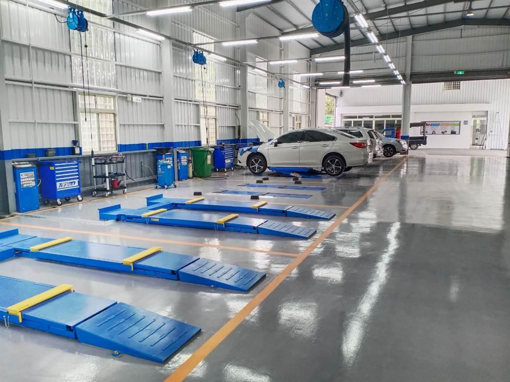 全新SUBARU久億金馬售後服務中心的軟硬體服務與設施,承襲日本原廠SOP的接待流程和維修工法,透過專業技師團隊為每一位SUBARU車主提供最全面的維修保養服務。