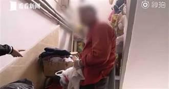 老太太在樓梯間搭小屋定居 媳婦竟回:家裡沒地方給她睡