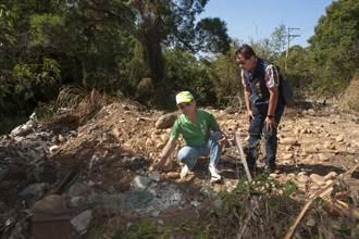 熱門景點大甲鐵砧山 周邊遭棄大量建築廢土