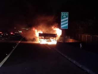 國1南下348K岡山路段火燒車 幸無人受傷