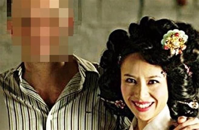 玉素利與第二任外籍丈夫合影。(取自韓網)