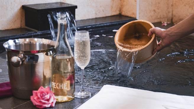 日晖拥池上唯一的温泉,于客房内可泡温泉。(日晖国际渡假村提供)