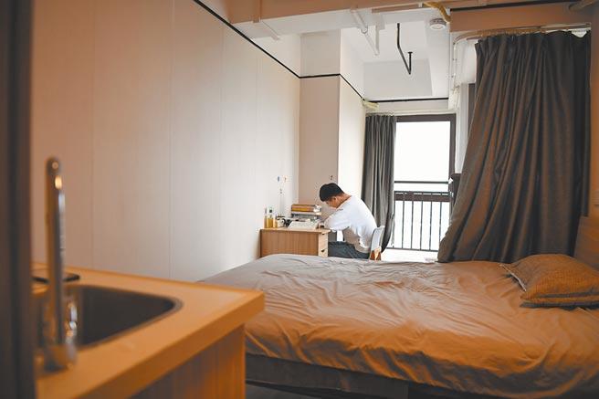 針對長租公寓問題,大陸多地發文規範住房租賃企業經營行為。(新華社資料照片)