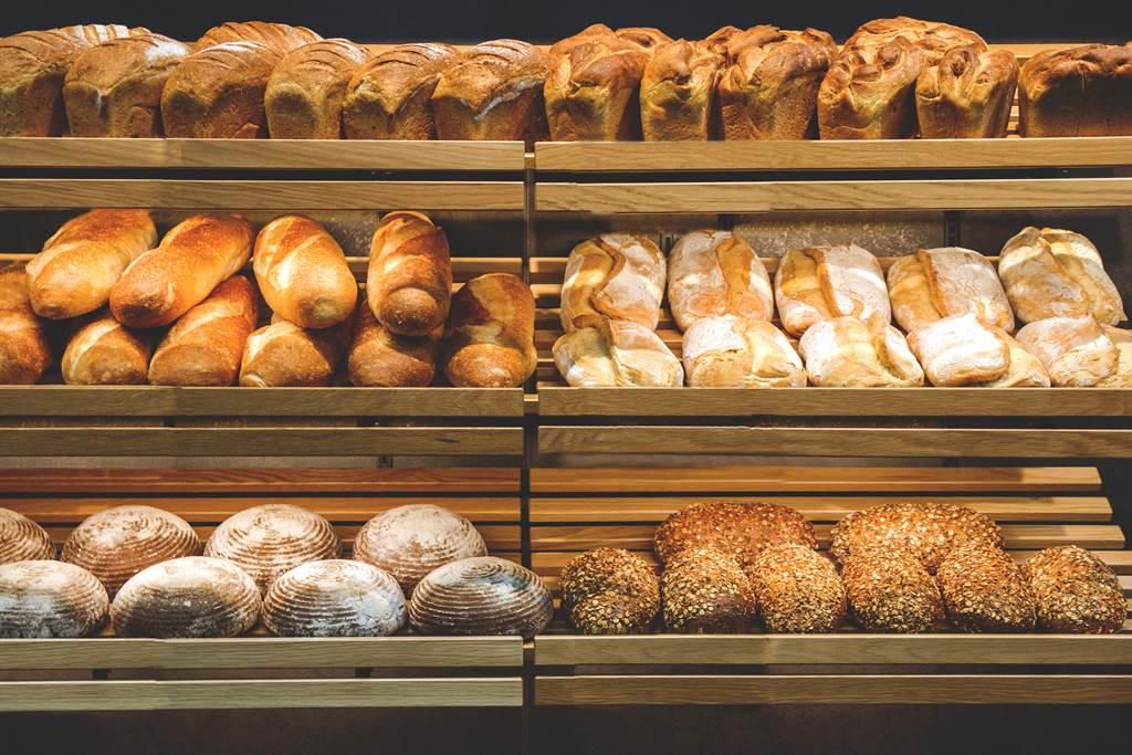 量販店的麵包店究竟都是誰在買?有網友曝兩點優勢,贏過坊間的麵包店。(圖/示意圖,達志影像)