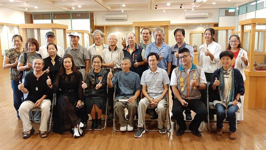 頭份市公所邀請苗栗知名陶藝家在藝術館舉行「茶與陶的美好生活」會員聯展。(頭份市公所提供/謝明俊苗栗傳真),
