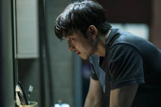 孔劉、朴寶劍合體為《永生戰》宣傳拍攝雜誌 開賣3小時售罄