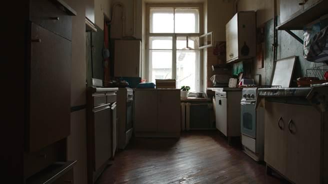 專家提醒,頂加一層多戶房型,租屋族千萬不要碰。(示意圖/達志影像/shutterstock)