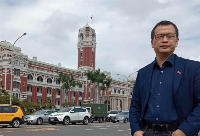 台北市議員羅智強鼓勵總統蔡英文,如果認為自己站在道理正確的一方,就不應該要害怕辯論。(圖/翻攝自羅智強臉書)