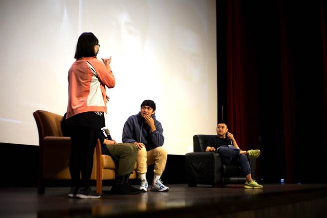 劉子銓及經紀人出席《無聲》電影座談會。(台北海大提供)