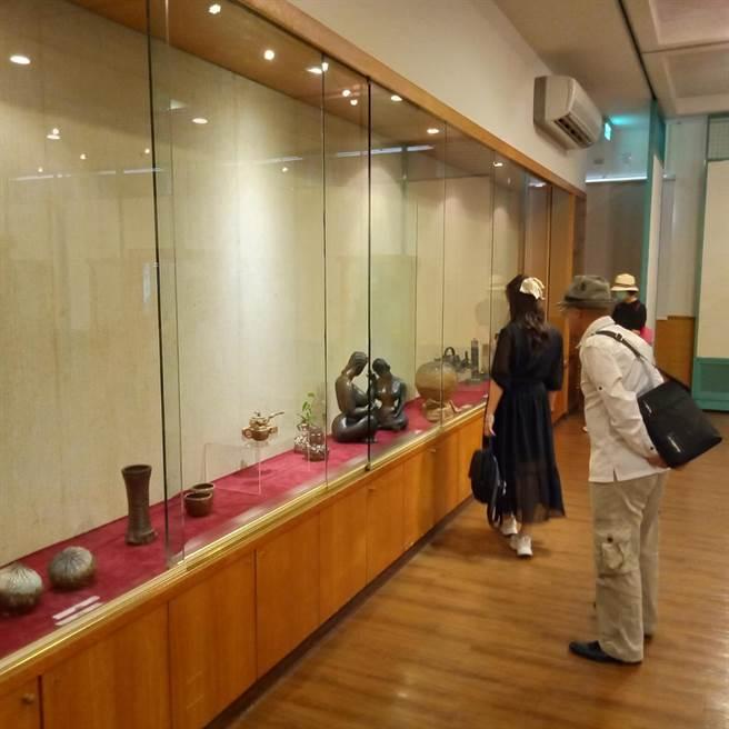 頭份市公所邀請苗栗知名陶藝家在藝術館舉行「茶與陶的美好生活」會員聯展。(頭份市公所提供/謝明俊苗栗傳真)