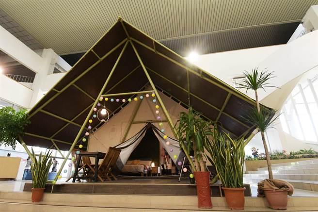 「清水那方」主打套裝豪華露營帳,內有兩張雙人床,可住四個人,還包下午茶、晚餐和早餐。試營運初期有24帳,將逐步增加至50帳,提供全新的露營體驗。(謝瓊雲攝)