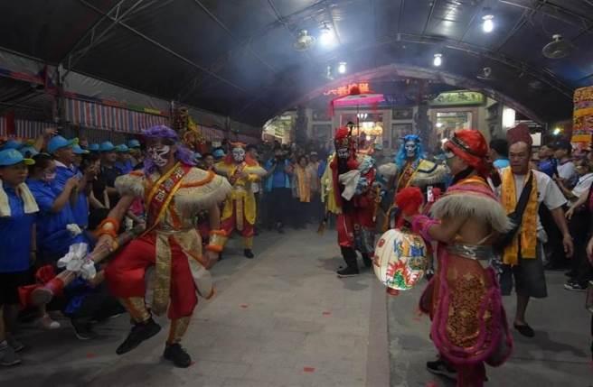 送肉粽儀式通常先進行「跳鍾馗」除煞,圖為彰化溪州水尾村震威宮舉辦「鍾馗文化祭」。(資料照片)