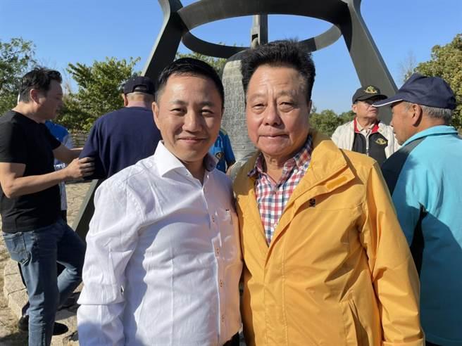 謝坤宏(左)。(謝坤宏提供)