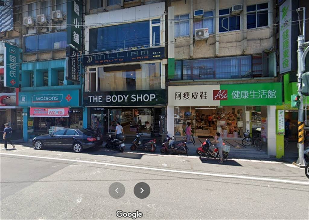 服務處位於新店精華地段,至今仍相當熱鬧(圖片截自Google街景)