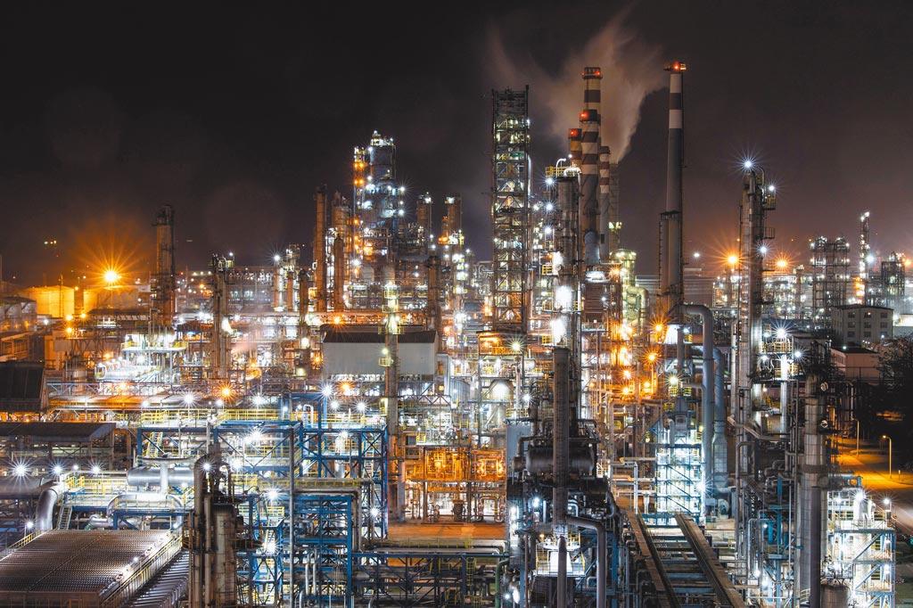 海南洋浦的中石化海南煉化公司正在生產。(新華社資料照片)