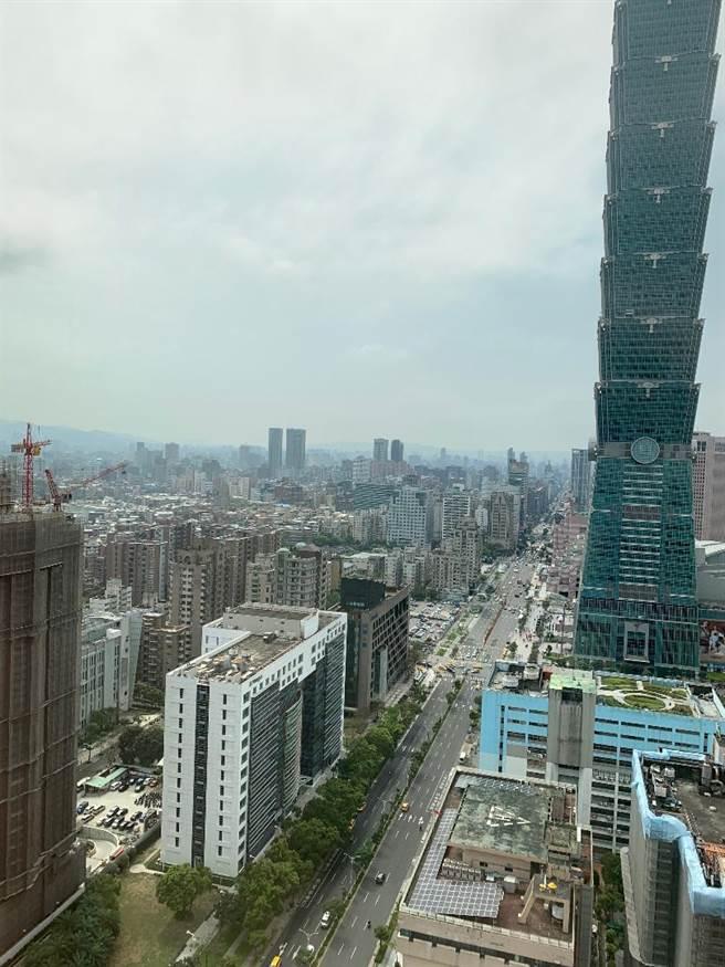 今年辦公租金仍呈上升趨勢,年漲幅上看2%。圖/蔡惠芳