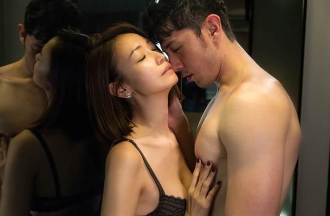 潘慧如與田舞陽在《姊的時代》火辣激情戲創5.6億人次觀看。(三立提供)