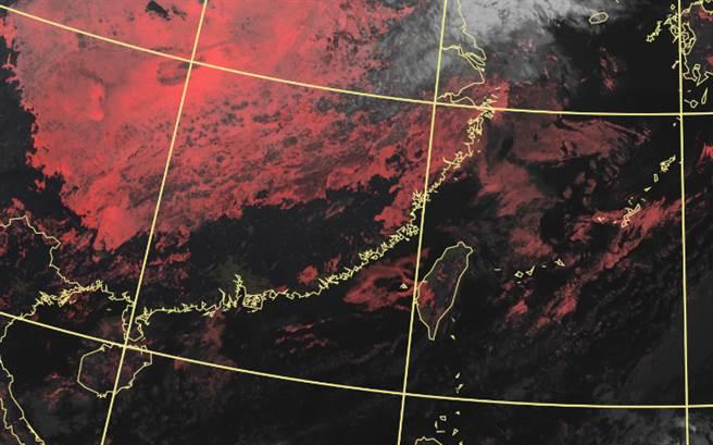 好天氣剩下周四一天,緊接著東北季風南下,全台轉冷。(中央氣象局提供)