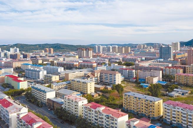 黑龍江省撫遠市地處中俄邊境,曾是大陸最東的國家級貧困縣,迎來全面小康曙光。 (新華社)