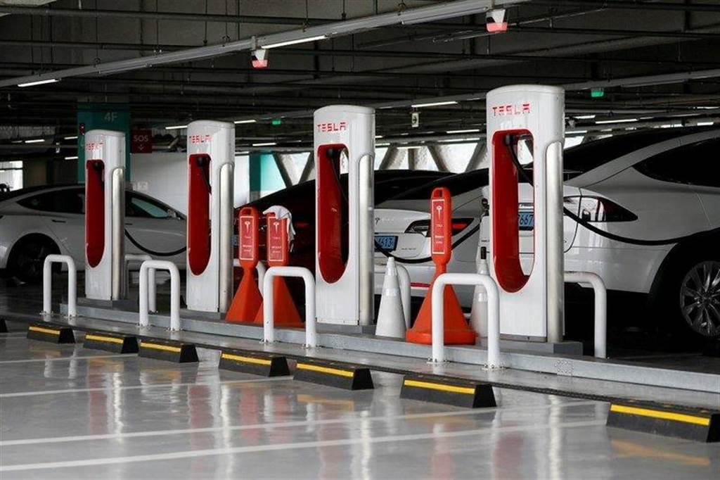 特斯拉斥資 1.8 億元在上海蓋新工廠生產超級充電樁,年產能上看一萬支