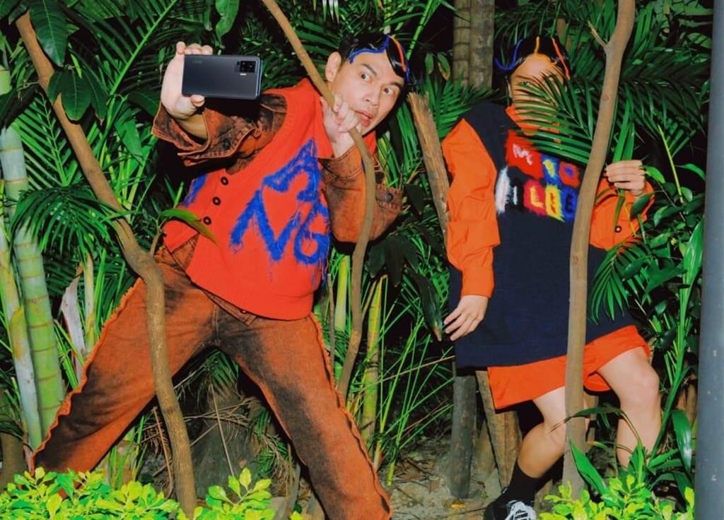 阿Ken(左)、派翠克互动逗趣。(vivo提供)