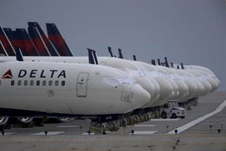 要錢不要命 美國無視疫情擬取消對歐飛航禁令