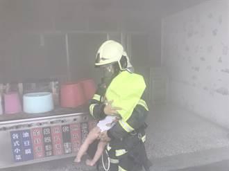 北港民宅煮飯引火警 2人受困3樓、警消救出送醫