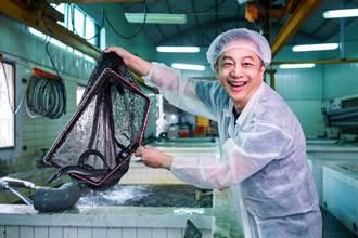 陳昭榮參觀鰻魚大廠超震撼 50分鐘吃播創6位數銷售佳績