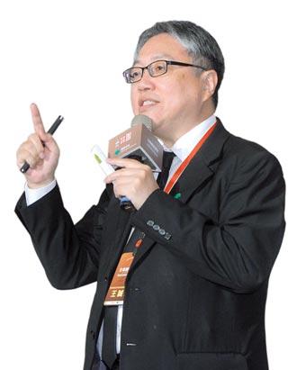 國泰投信全球經濟與策略研究處副總王誠宏:基本面為王 未來三年股債雙多