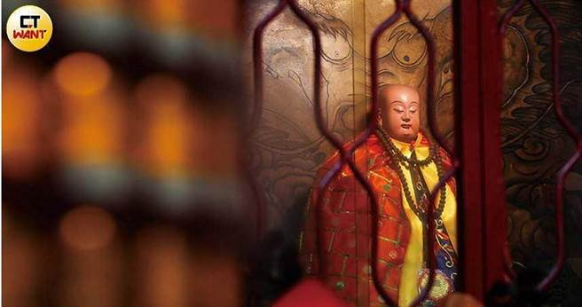 被譽為「神醫」的董公真仙,相傳曾多次下凡救人。(圖/張文玠攝)