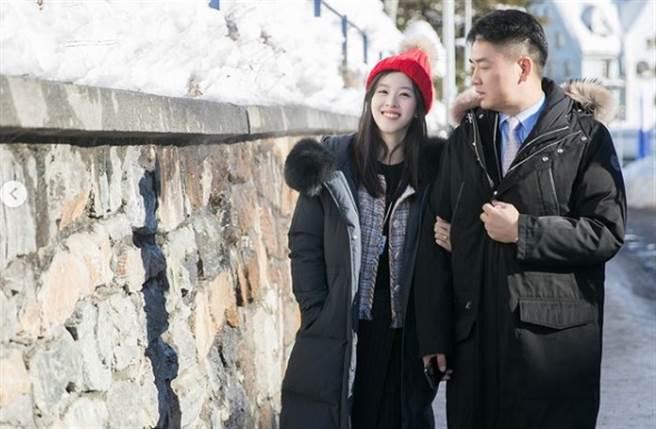 過去章澤天不時會在IG曬恩愛,老公劉強東也總會替她慶生。(取材自章澤天IG)