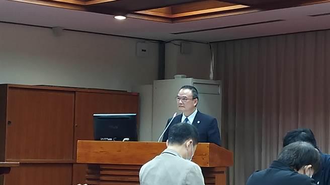 文化部政務次長蕭宗煌坦言,自己身兼中華民國博物館學會理事長,從該學會得知的博物館線上瀏覽人次資料統計,與立委報告的數據有落差。(王寶兒攝)
