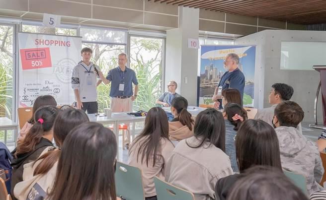嘉南藥理大學通識中心舉辦「職場英文大PK活動」。(嘉南藥理大學提供)