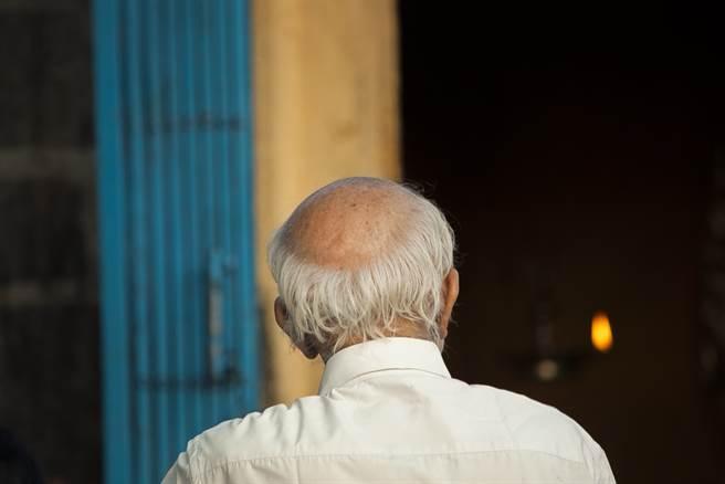 一位日治時期出生,失蹤75餘年的劉蘇双全,日前家屬終向法院聲請死亡宣告。(示意圖/Shutterstock)