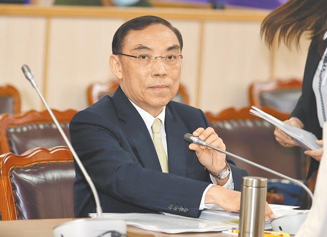 針對立委吳怡玎質疑調查局帶隊到她家搜索一事,法務部長蔡清祥表示他不清楚,這要看個案的判斷。(姚志平攝)