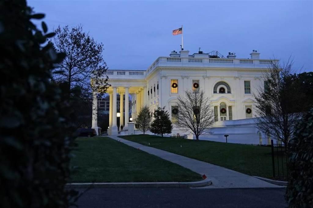 白宮正考慮解除對部分國家的入境禁令但不包括中國(美聯社)