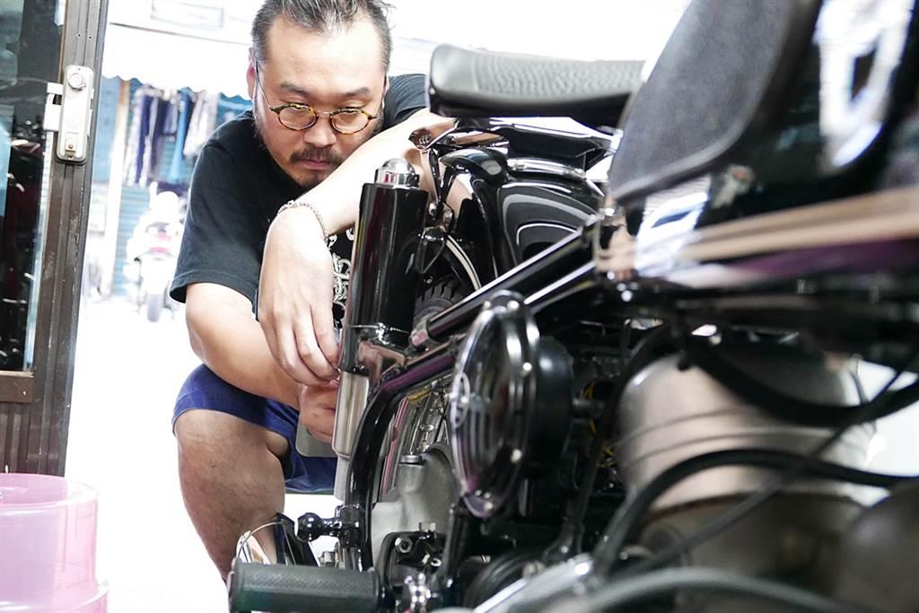 精通復原之術的老BMW重機職人《呂俊逸》