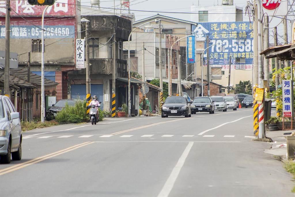 雲林164縣道(11k+931~16k+339)道路拓寬工程將由目前12米拓寬至20米,拓寬後能改善當地交通問題。(周書聖攝)