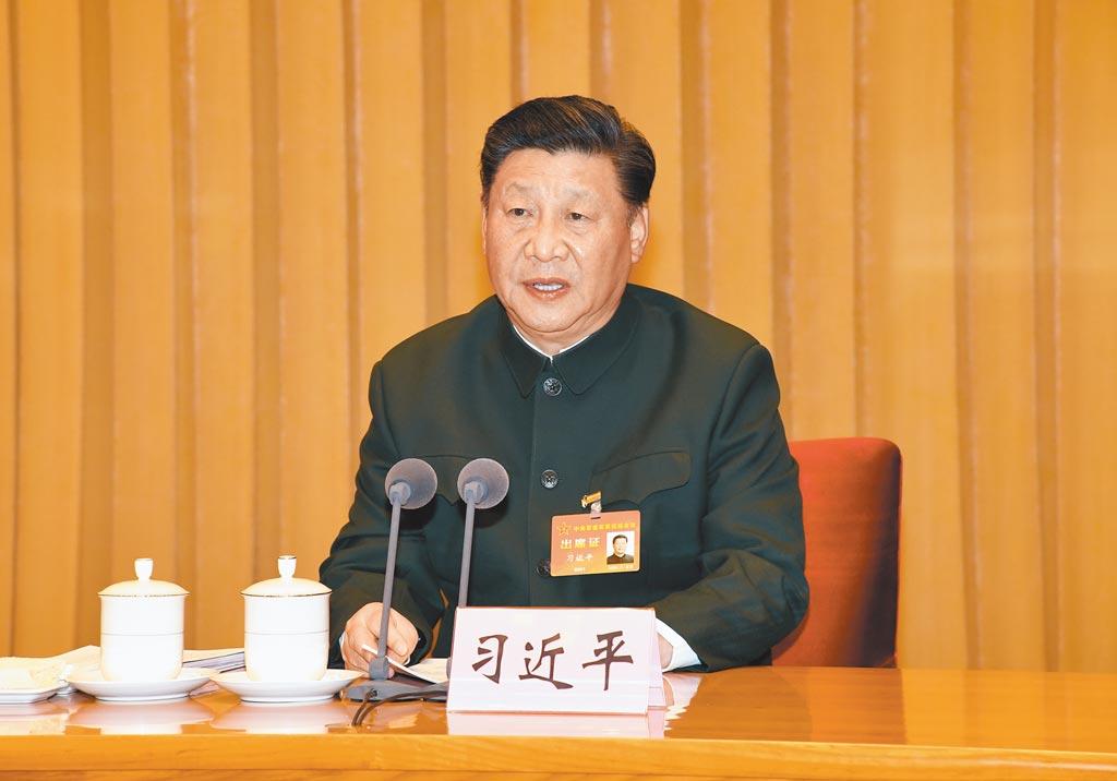 11月25日,中共中央軍委主席習近平出席中央軍委軍事訓練會議並發表講話,指示加強實戰化訓練。(新華社)