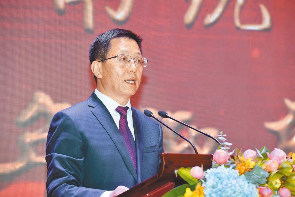 11月25日,雲南省人大會常委會表決任命王予波為副省長,並代理省長,成為60後省級一把手的新員。(中新社資料照片)