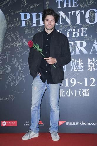 鳳小岳《歌劇魅影》觀摩舞台演出 王月3度朝聖好興奮