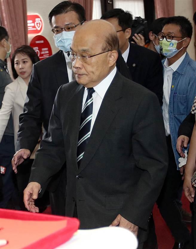 行政院長蘇貞昌27日赴立法院備詢神色凝重。(姚志平攝)