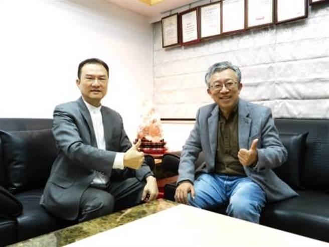 理財周刊發行人洪寶山(左)、施昇輝(右)。(圖/理財周刊提供)