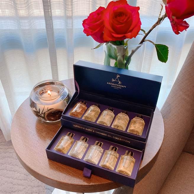 「典藏芳療精油珠寶盒」可一次收藏10款經典沐浴油。(邱映慈攝)
