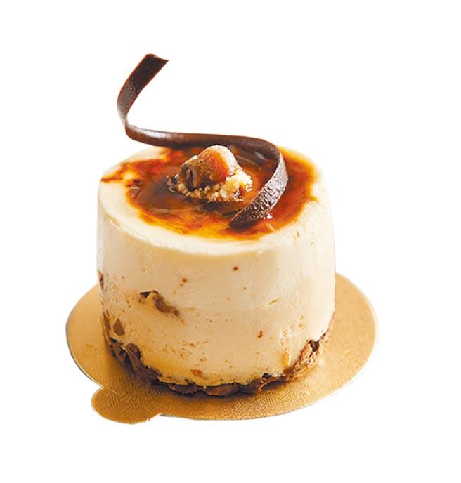 SOGO天母店「麗緻坊焦糖起士蛋糕(小),原價160元、特價買1送1,每日限量30組。(SOGO提供)