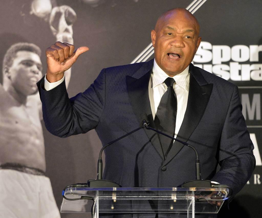 退休重量級拳王佛爾曼今年71歲,他曾在38歲復出,45歲再摘拳王,並於55歲時想再度復出。(美聯社資料照)
