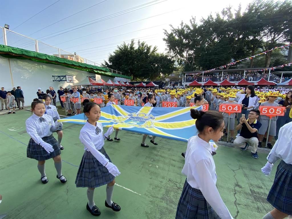 今年是葳格教育集團20周年慶,今天也是葳格小學西屯校區第19屆的運動會。(盧金足攝)
