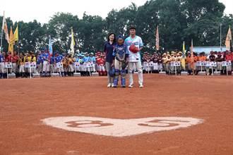 徐生明盃》美濃少棒計畫首位職業球員 劉貴元返鄉開球