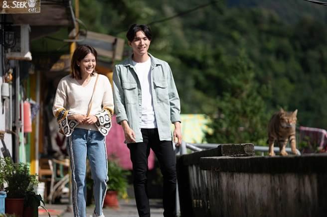 張瀚元(右)和王沛語劇中有感情戲。(TVBS提供)