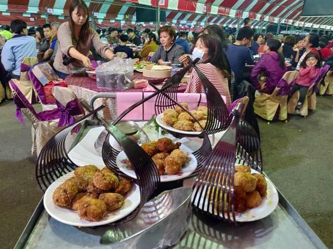 鹿溪宴澎湃菜色和桌數破紀錄,佳餚融入地故事和文化結合。(鹿港鎮公所提供/吳敏菁彰化傳真)